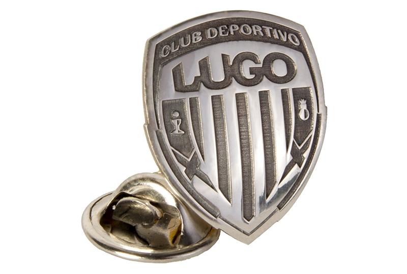 Pin de plata con escudo CDL